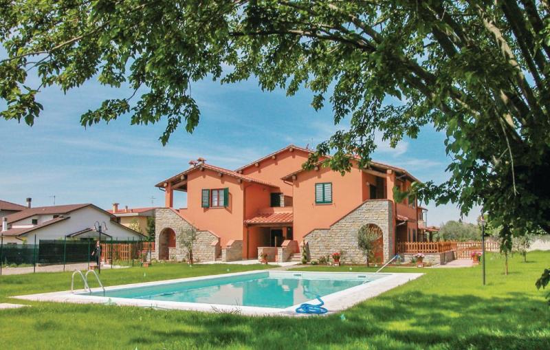 Casa macinarino  app 6 1141204,Apartamento en Loro Ciuffenna Ar, en Toscana, Italia  con piscina privada para 4 personas...