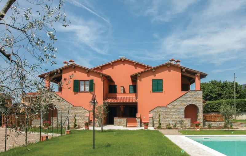 Casa macinarino  app 14 1141205,Apartamento  con piscina privada en Loro Ciuffenna Ar, en Toscana, Italia para 4 personas...