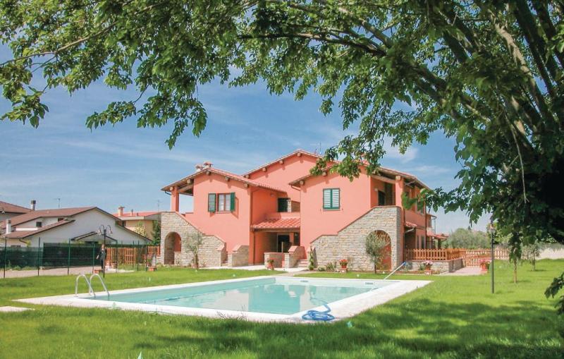 Casa macinarino  app 13 1141206,Apartamento  con piscina privada en Loro Ciuffenna Ar, en Toscana, Italia para 4 personas...