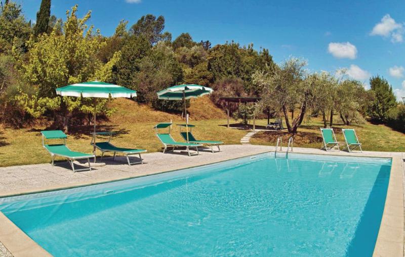 1142184,Vivienda de vacaciones  con piscina privada en Montaione Fi, en Toscana, Italia para 10 personas...