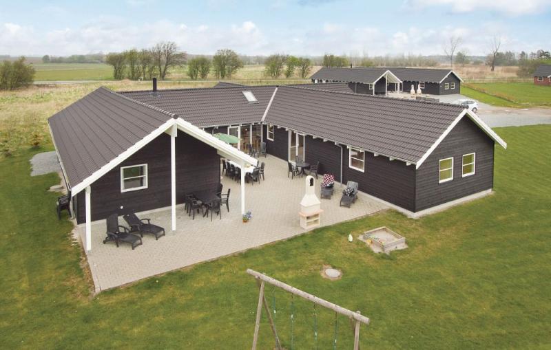 1142200,Casa grande en Idestrup, Lolland, Falster and Mon, Dinamarca para 24 personas...