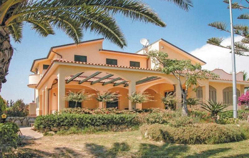 1142660,Appartement à Butera Cl, Sicily, Italie pour 3 personnes...