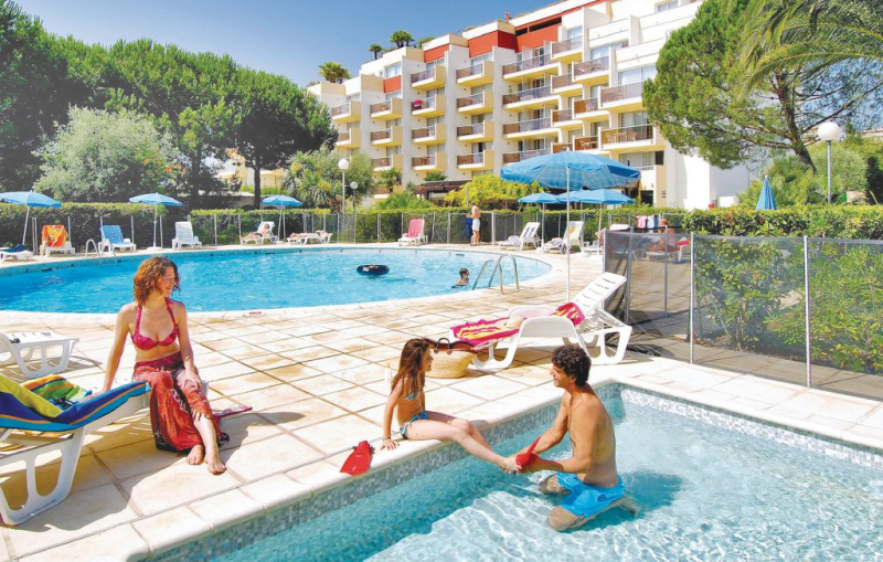 1143016,Apartamento  con piscina privada en Antibes, en la Cote d'Azur, Francia para 2 personas...