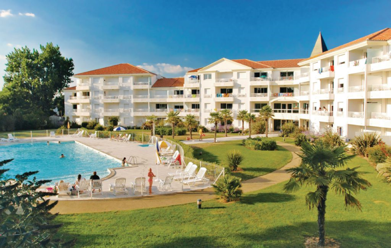 1143087,Apartamento  con piscina privada en Le Chateau D'olonne, Vendée, Francia para 3 personas...