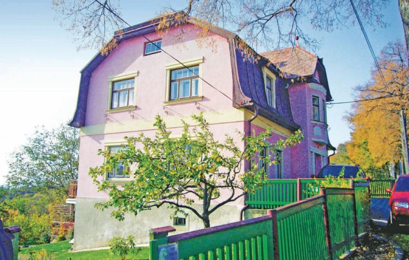 1143651,Apartamento en Svetla Pod Jestedem, Královéhradecký kraj, Chequia  con piscina comunitaria para 4 personas...