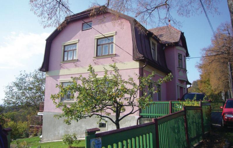 1143652,Apartamento  con piscina comunitaria en Svetla Pod Jestedem, Královéhradecký kraj, Chequia para 4 personas...