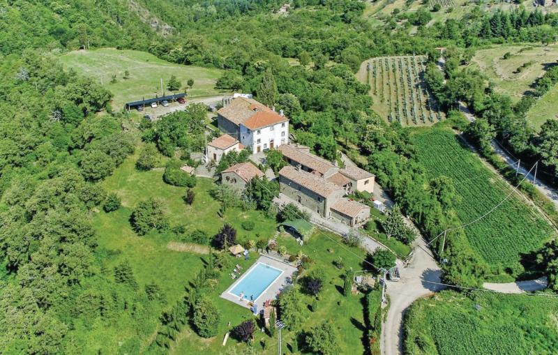 Palazzo 2p 1144625,Apartamento en Cortona, en Toscana, Italia  con piscina comunitaria para 8 personas...