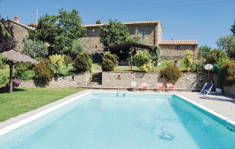 Casa sara 1144627,Apartamento en Cortona, en Toscana, Italia  con piscina comunitaria para 4 personas...