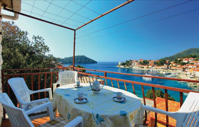 1144924,Apartamento en Smokvica, Dalmatia Islands, Croacia para 4 personas...