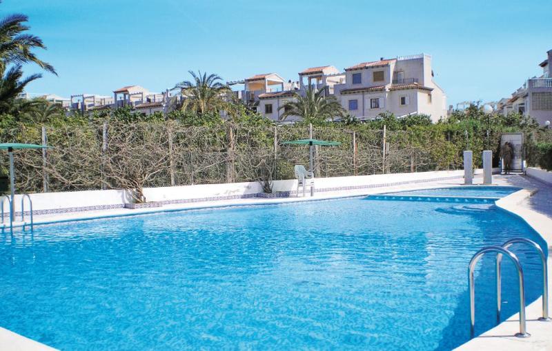 Residencial larrosa 1145587,Apartamento  con piscina privada en Guardamar Del Segura, en la Costa Blanca, España para 4 personas...