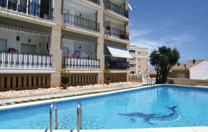 Avenida costa blanca 1146857,Apartamento en Arenales Del Sol, en la Costa Blanca, España  con piscina privada para 4 personas...