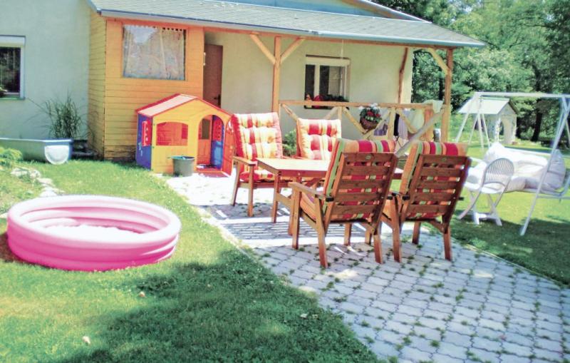 1147848,Apartamento en Valentova, Central Slovakia, Eslovaquia  con piscina comunitaria para 6 personas...