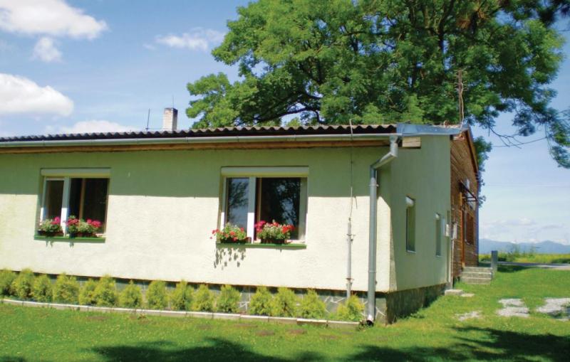 1147849,Apartamento  con piscina comunitaria en Valentova, Central Slovakia, Eslovaquia para 6 personas...