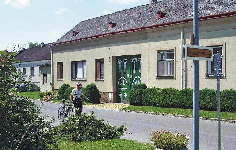 1147909,Apartamento  con piscina comunitaria en Sierndorf, Lower Austria, Austria para 6 personas...