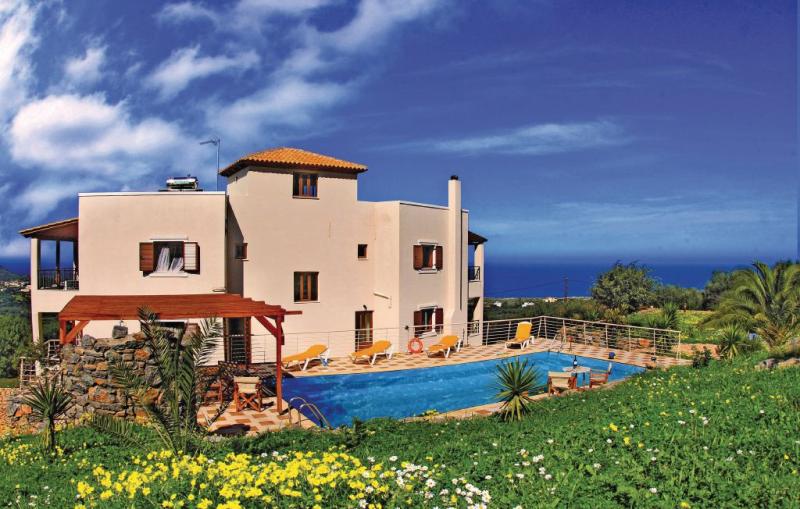 1148592,Vivienda de vacaciones grande en Milatos, Lasithi, Crete, Grecia  con piscina privada para 9 personas...