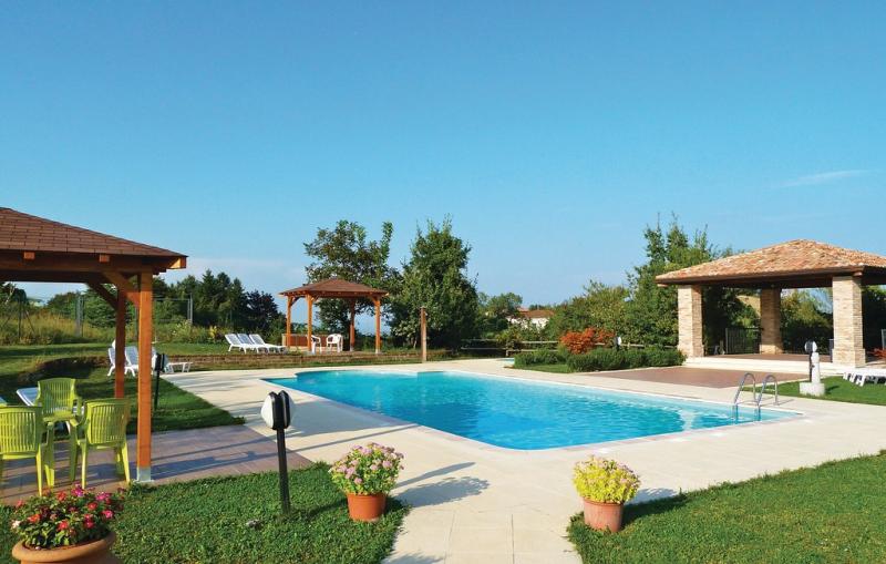 Mimosa 1 1149526,Apartamento  con piscina privada en Salsomaggiore T. Pr, Emilia-Romagna, Italia para 4 personas...