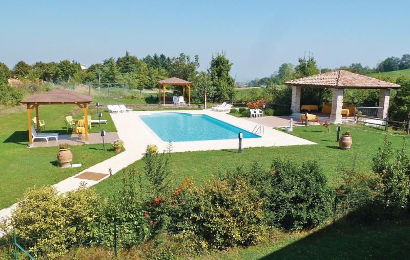 Rosa 3 1149527,Apartamento  con piscina privada en Salsomaggiore T. Pr, Emilia-Romagna, Italia para 4 personas...
