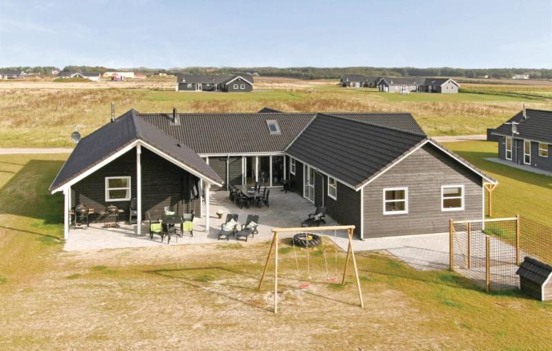 1152668,Casa grande  con piscina privada en Løkken, North Jutland, Dinamarca para 22 personas...