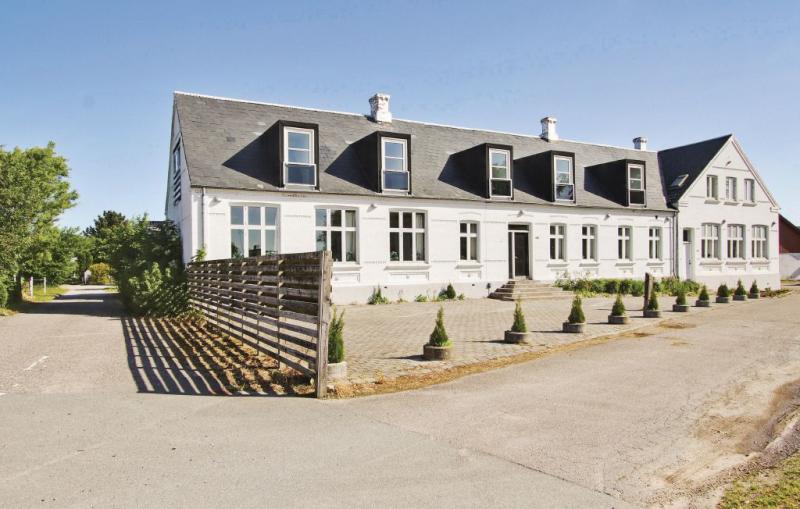 Lystrup gamle skole 1153315,Casa grande  con piscina privada en Allingåbro, East Jutland, Dinamarca para 32 personas...