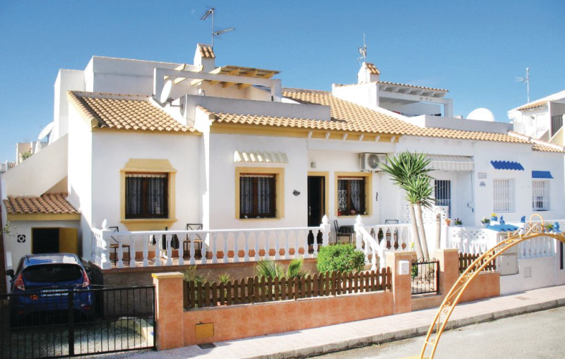 1158243, Holiday house in La Florida, on the Costa Blanca, Spain  with communal pool for 4 persons...