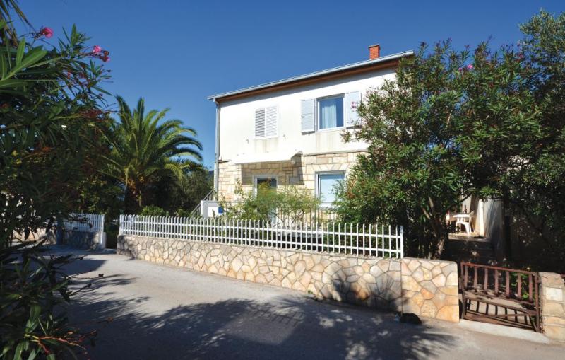 1159343,Apartamento en Stari Grad, Dalmatia, Croacia para 3 personas...