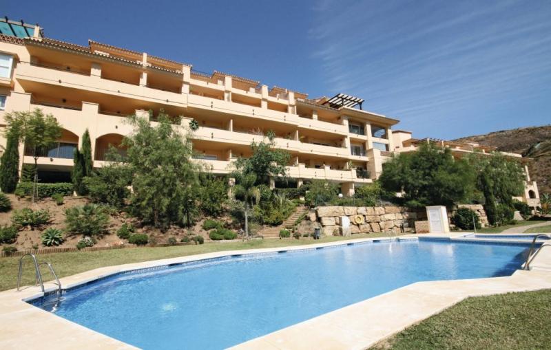 1161471,Apartamento en Calahonda, en la Costa Calida, España  con piscina privada para 4 personas...