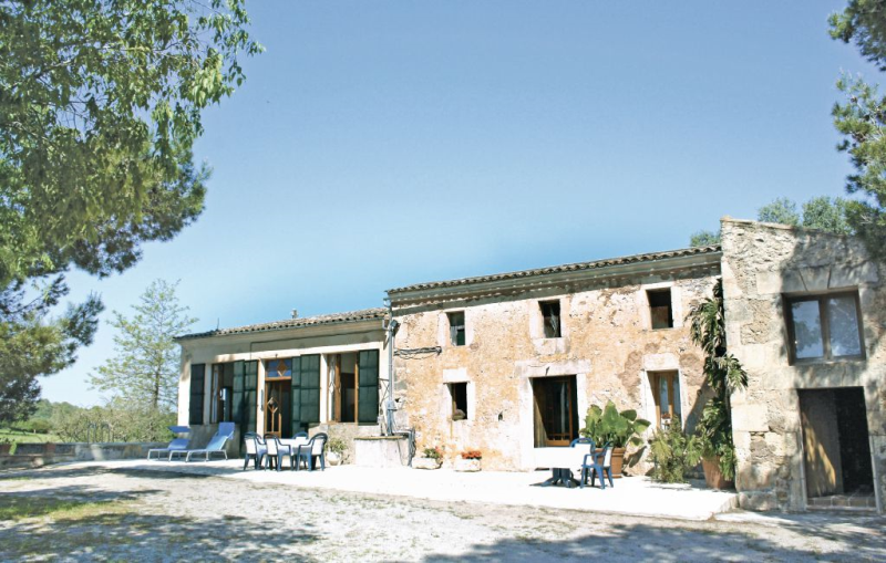 1161476,House  with private pool in Manacor, Mallorca, Spain for 8 persons...