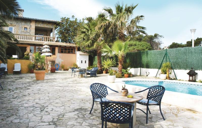 1161685,Apartamento  con piscina privada en Son Serra de Marina, Mallorca, España para 3 personas...