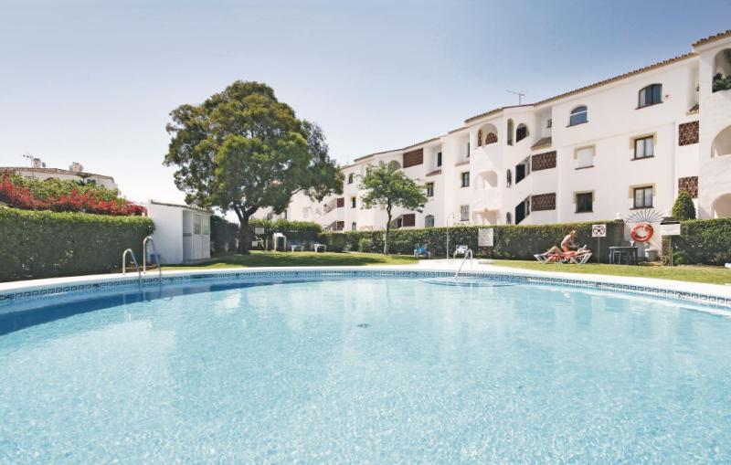1161949,Apartamento en Riviera Del Sol, Andalucía, España  con piscina privada para 4 personas...