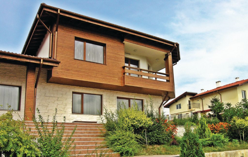 1162403, Vivienda de vacaciones grande en Village Of Tsarkva, Northern Black Sea coast, Bulgaria  con piscina privada para 12 personas...