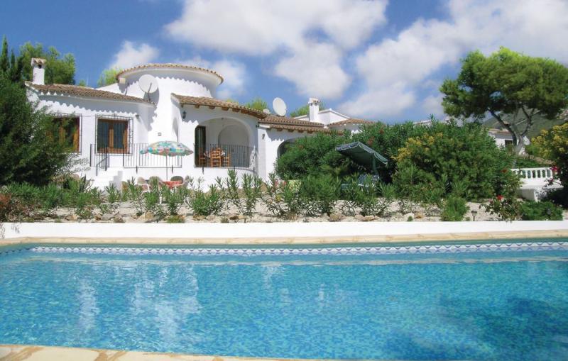 1163664,Casa en Moraira, en la Costa Blanca, España  con piscina privada para 6 personas...