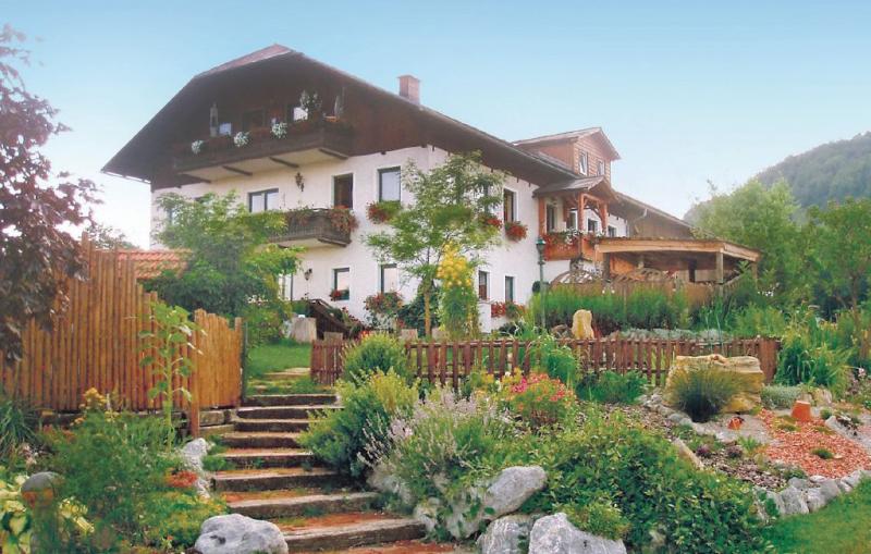 1165652,Apartamento en Ertl, Lower Austria, Austria  con piscina comunitaria para 6 personas...