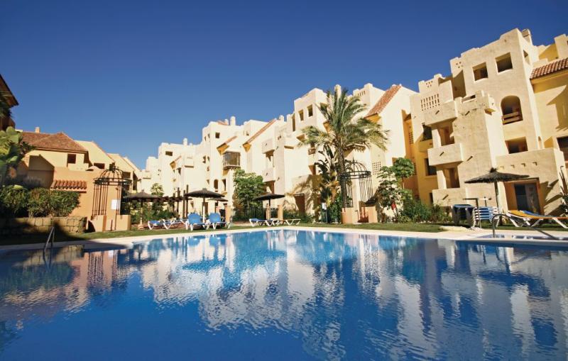 1166731,Apartamento en Manilva-La Duquesa, Andalucía, España  con piscina privada para 4 personas...