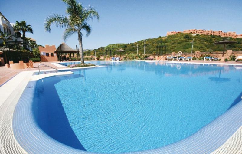 1166733,Apartamento  con piscina privada en Manilva-La Duquesa, Andalucía, España para 4 personas...