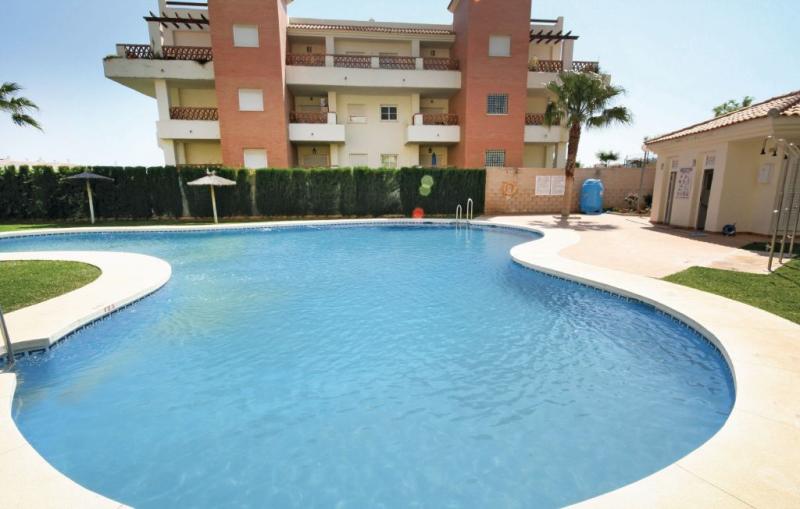 1166734,Apartamento en Benalmádena, Andalucía, España  con piscina privada para 4 personas...