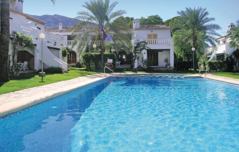 Tropicanapark 1170546,Vivienda de vacaciones en Denia, en la Costa Blanca, España  con piscina privada para 6 personas...