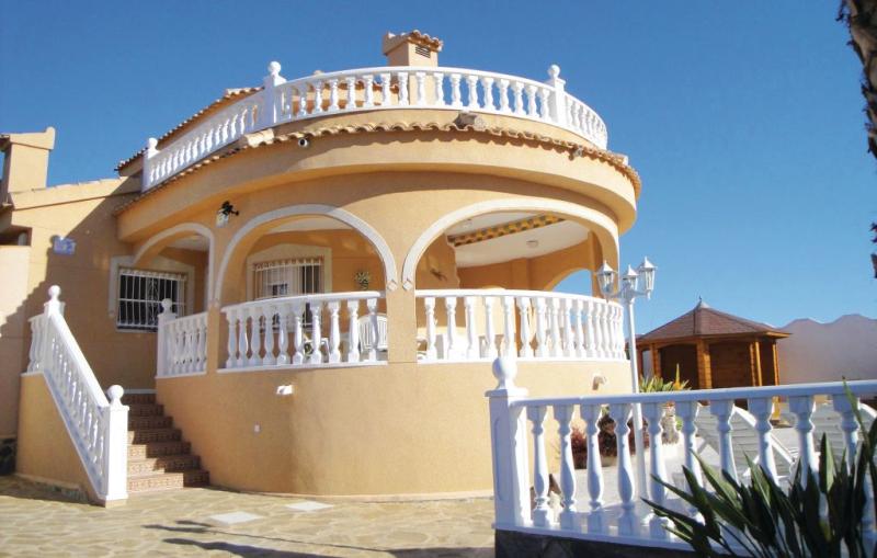 1170908,Casa  con piscina privada en Rojales, en la Costa Blanca, España para 6 personas...