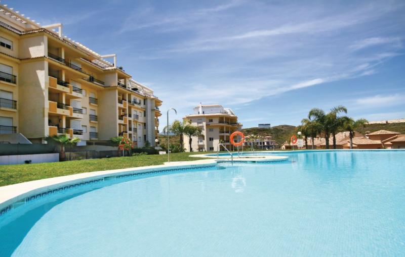 1174122,Apartamento en La Cala De Mijas, Andalucía, España  con piscina privada para 4 personas...