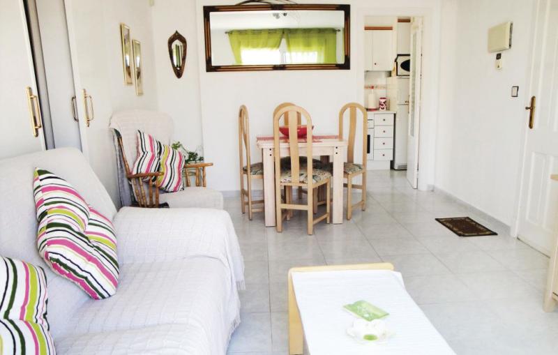 1174859,Apartamento en Torrevieja, en la Costa Blanca, España  con piscina privada para 4 personas...