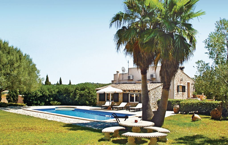 1175626,House  with private pool in Sineu, Mallorca, Spain for 6 persons...