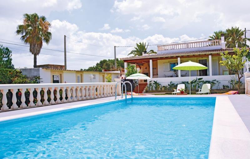 1176895,Casa  con piscina privada en Muro, Mallorca, España para 4 personas...