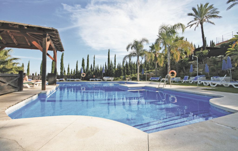 1176975,Apartamento  con piscina privada en Manilva, Andalucía, España para 5 personas...