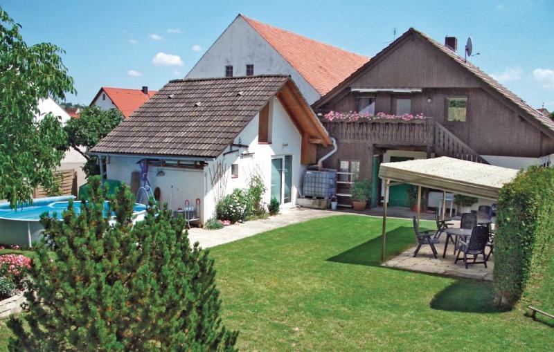 1178674,Apartamento  con piscina privada en Treuchtlingen, Bavaria, Alemania para 4 personas...