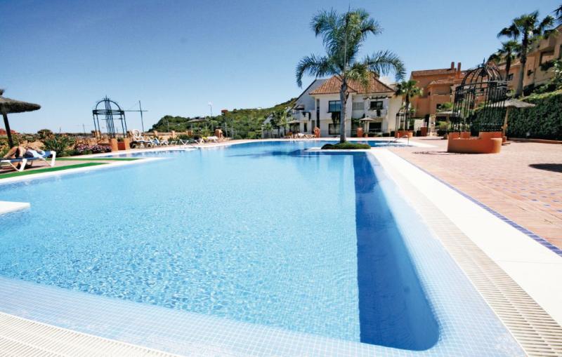 1179260,Apartamento en Duquesa, Andalucía, España  con piscina privada para 4 personas...