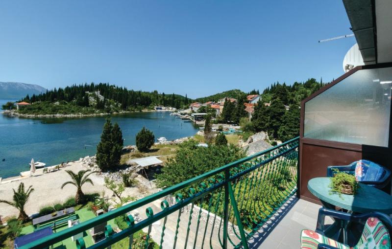 1182030,Apartamento en Blace, South Dalmatia, Croacia para 3 personas...