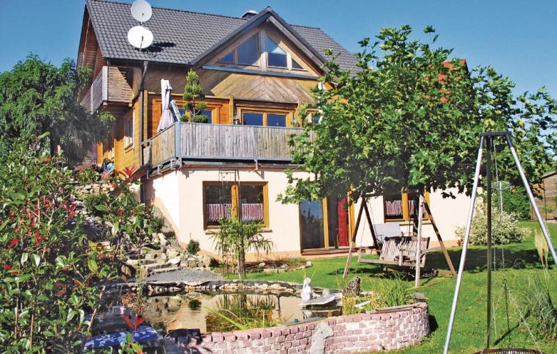 1182817,Apartamento en Newel, Rhine-Ahr-Lahn, Alemania  con piscina comunitaria para 4 personas...