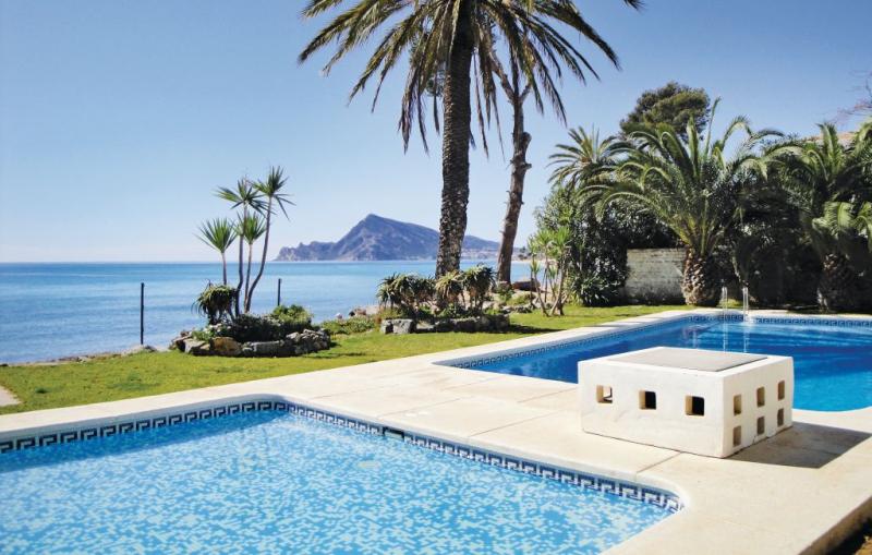 1182992,Apartamento  con piscina privada en Altea, en la Costa Blanca, España para 6 personas...