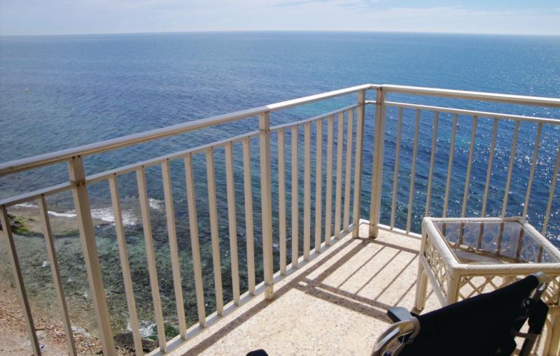 1183152,Apartamento  con piscina privada en Torrevieja, en la Costa Blanca, España para 6 personas...