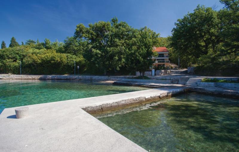1183450,Apartamento en Omisalj, Dalmatia Islands, Croacia para 4 personas...