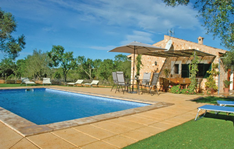 1183814,House  with private pool in Santa Margalida, Mallorca, Spain for 6 persons...